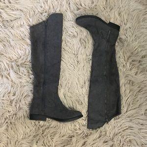 Knee-high flats boot